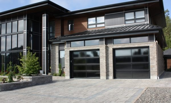 Panoramic Garage Door  / Black / Reflective Glass
