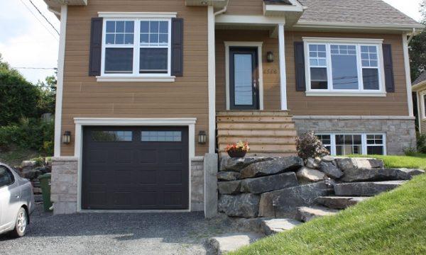 Vermont / Brun commercial / Fenêtres scellées 10 carreaux peinturés, cadres peinturés