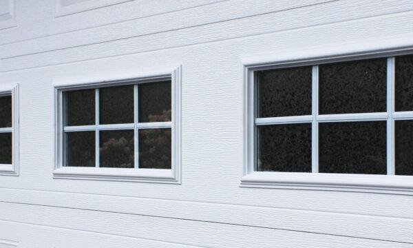 fenêtres thermos dans la porte de garage
